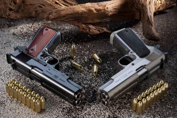 Pistola Arsenalfirearms doppia canna ed anche doppio calibro
