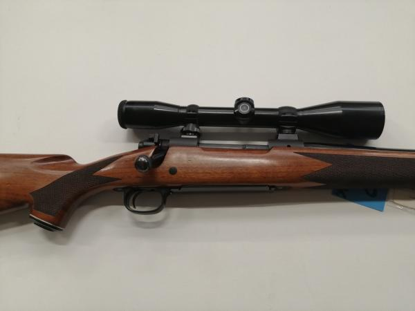 carabina Winchester modello 70 in 300 wyby mag